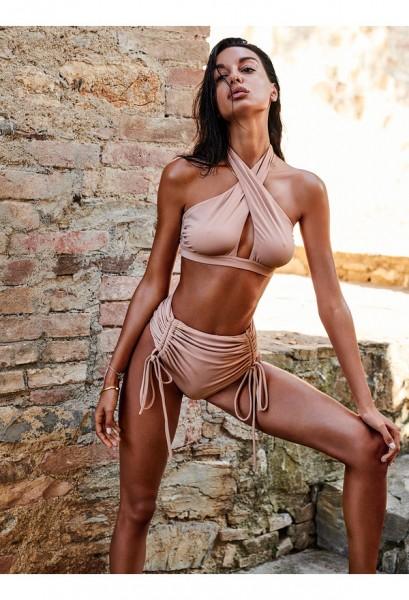 Hamptonella bikini nude